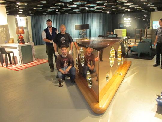 Käsevitrine aus Kupfer hochglanzpoliert - Swissótel Zürich - Schweiz