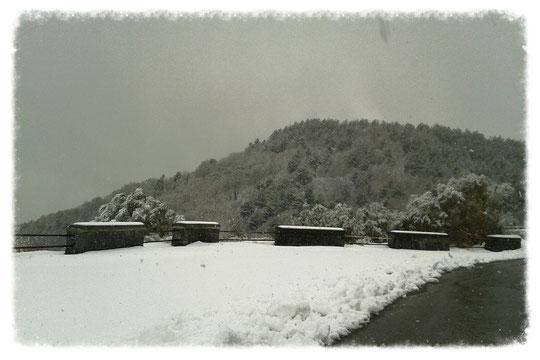 Schnee am Ätna