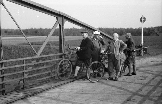 Lehrerkollegium - Fahrradausflug nach Herbern um 1940