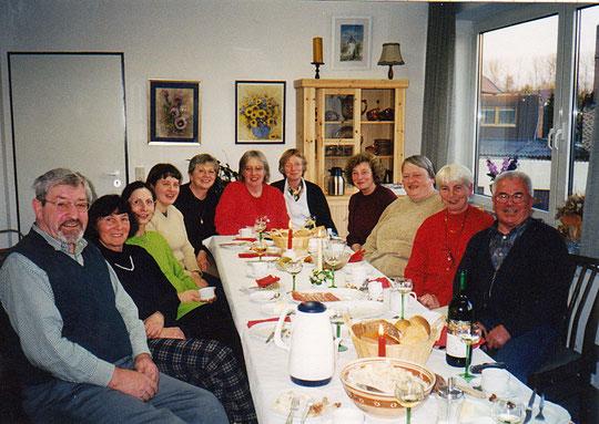 Eine starke Gruppe beim gemütlichen Kaffeetrinken  im Jahr 2003
