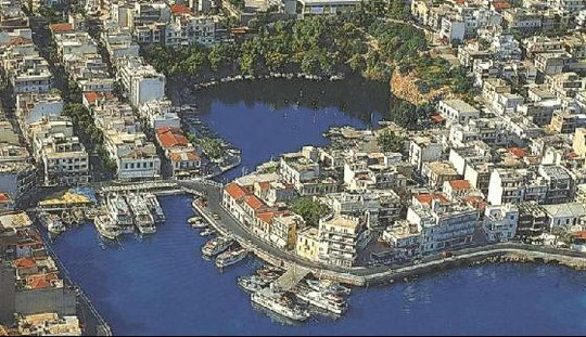 Aghios Nikolaos lake and the tourist harbour