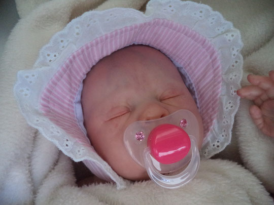 REBORN DOLL 'LOVELYN' by Ping Lau