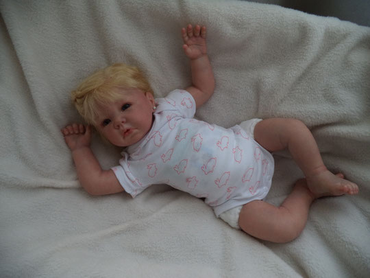 LUCA by Elly Knoops reborn doll
