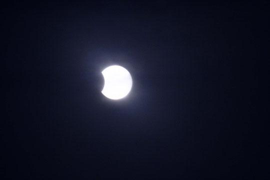 Partielle Sonnenfinsternis am Morgen des 04.01.2011