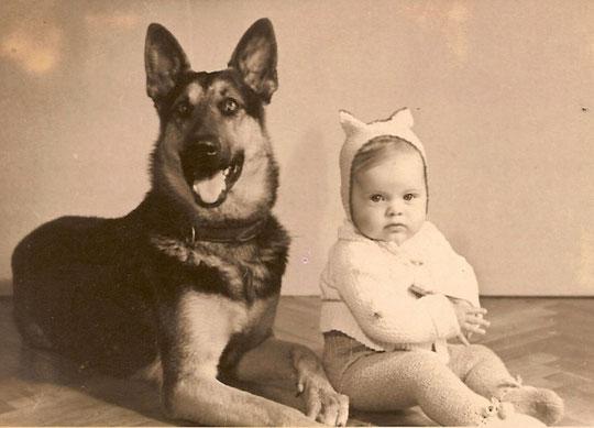 Asta und Baby Lore