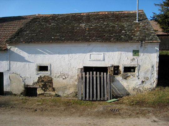 Obere Kellergasse - Presshaus mit Baumpresse  und originalem Geitsloch von Robert Fröhlich
