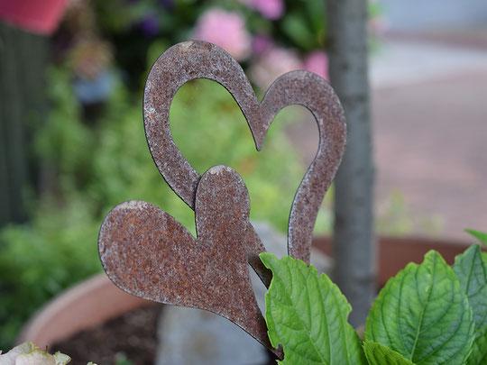 rostiger Gartenstecker, Gartendeko