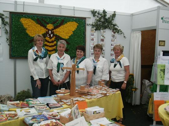 Am Landfrauen-Stand auf den LandtagenNord in Wüsting