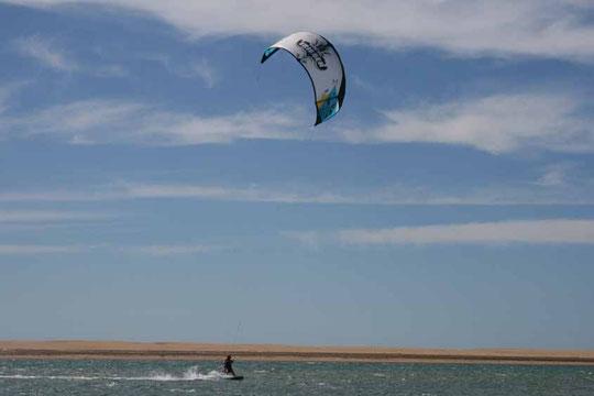Kitesurfen auf eine wundervollen Lagune
