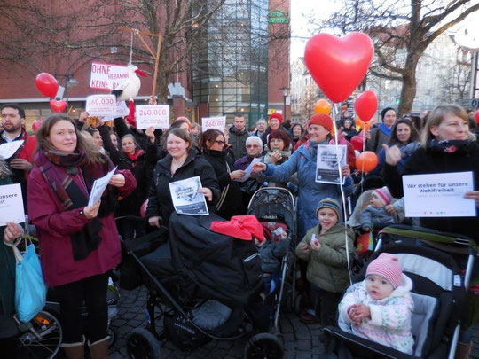 Hebammenprotest Elternrprotest