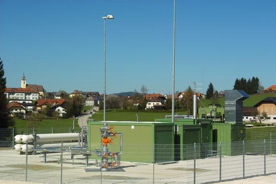 Sondenkopf der Tiefen Erdwärmesonde Mühlleiten ML-002 der RAG Austria AG im Gemeindegebiet von Neukirchen a.d. Vöckla