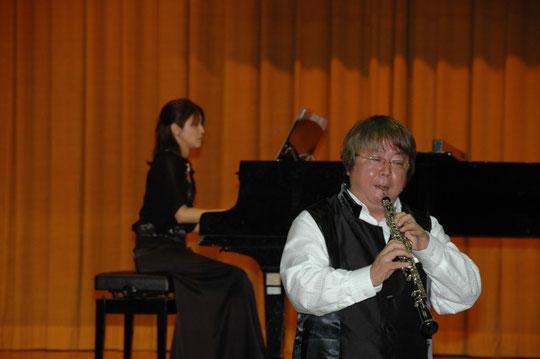 私はシューマン作曲のロマンスと五木の子守唄ファンタジー(出田敬三作曲)他を演奏しました!ピアノは荒谷心里さん