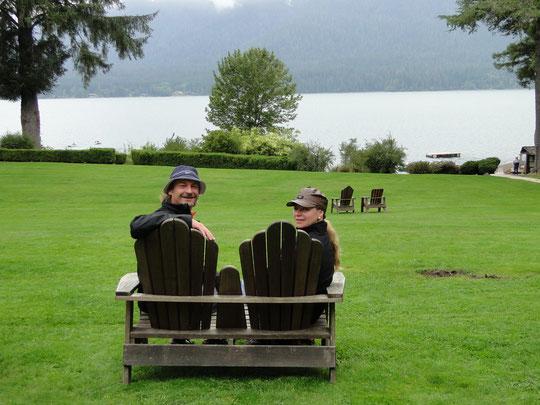 wie aus der Werbung: Park vor der Lake Quinault Lodge
