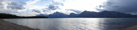 Panorama der Teton-Gipfel mit Lake