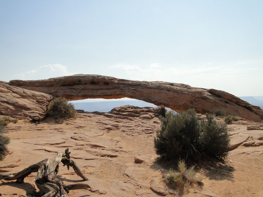 Mesa Arch, Island in the Sky District (Canyonlands N.P.)