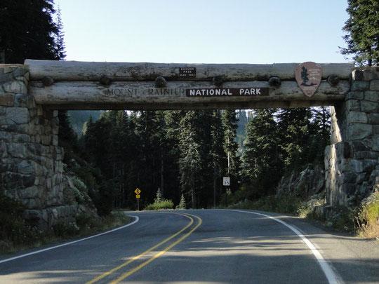 Eingang zum Mount Rainier N.P. auf der Ostseite