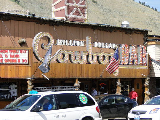 Awfully touristic ... Million Dollar Cowboy Bar in Jackson