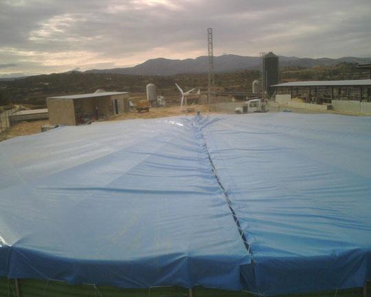 Forros plasticos en pvc a medida lona en pvc para for Lona interior piscina desmontable