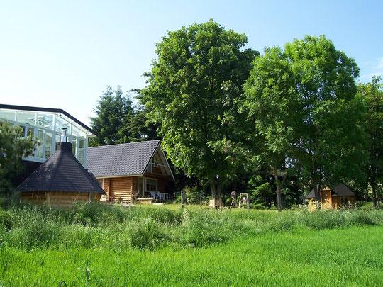 Keltic-Lodge mit Wintergarten und Keltic-Cottage,Rundbohlenblockhaus