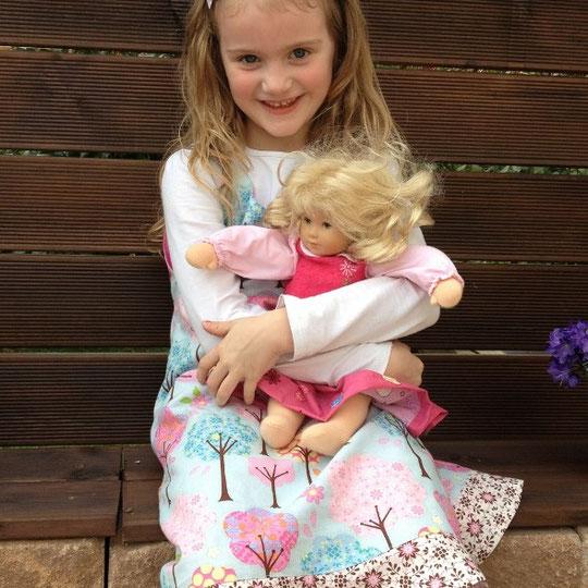 Kleidchen aus Dena Designs / Pretty Little Things - Trees Blue & Daisy Brown
