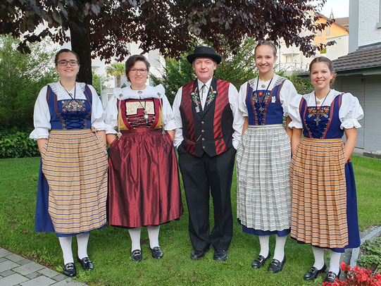 v.l.n.r.: Mirjam Egloff, Rebekka Stadelmann, Hansjörg Thierstein,  Nadja Birrer, Marina Achermann