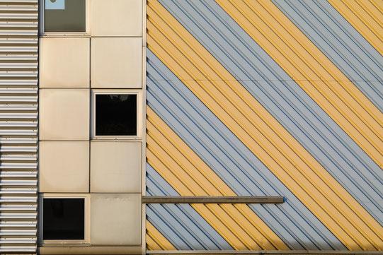 Fassade mit hinterlüfteter Bekleidung.