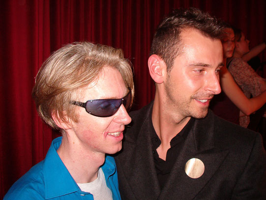Markus Ehrhard mit Philip Treacy in Paris im Januar 2003