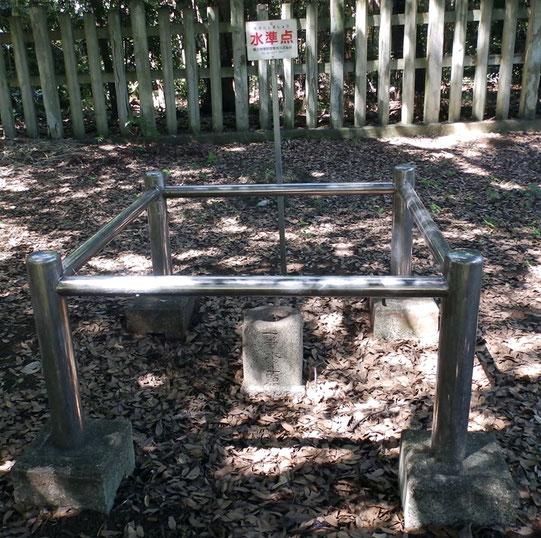 大宮公園内の水準点