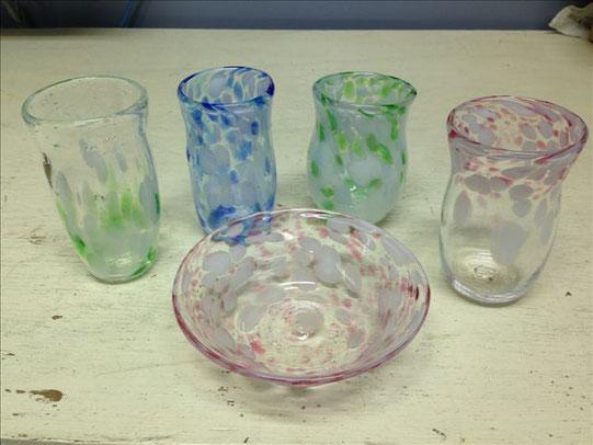 Wさんご一家の作品。こちらは通常体験となります。ほかにも小鉢や花器等制作できます。