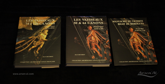 """Historique des vaisseaux """"Les vaisseaux de 50 à 64 canons, avec le Manuscrit du Vicompte Bigot De Morogues"""" & """"Les vaisseaux de 74 à 120 canons"""" de Jean BOUDRIOT."""