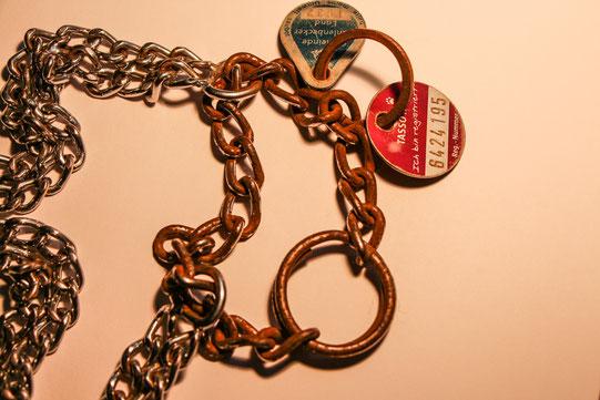So muss eine Halskette nach einer Woche MANNWERDUNG aussehen