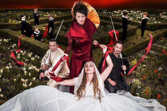 Bartholomäusnacht - Dagmar Bernhard (Baronin Charlotte von Sauve & Wirtin) - Sommerspiele Melk © Daniela Matejschek