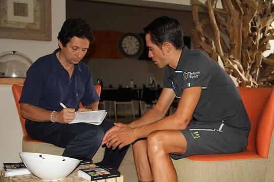 Foto courtesy: Enzo VIcennati. Qui ritratto durante un'intervista fatta ad Alberto Contador.
