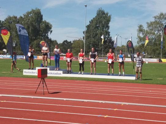 Katharina Schiele (2. von rechts) bei der Siegerehrung.