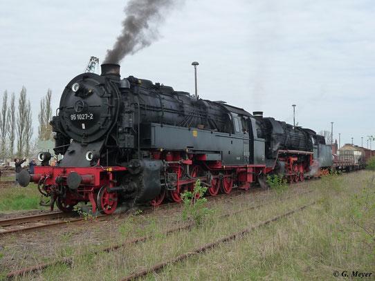 Ein Highlight des Bw-Festes war der Fotogüterzug, der mit 44 1486-8 und 95 1027-2 bespannt war