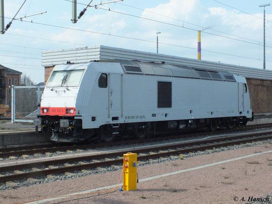 Am 18. April 2013 fuhr 285 105-3 mit einem Kesselwagenzug nach Chemnitz Küchwald. Hier ist sie Lz bei der Rückfahrt in Chemnitz Hbf. zu sehen