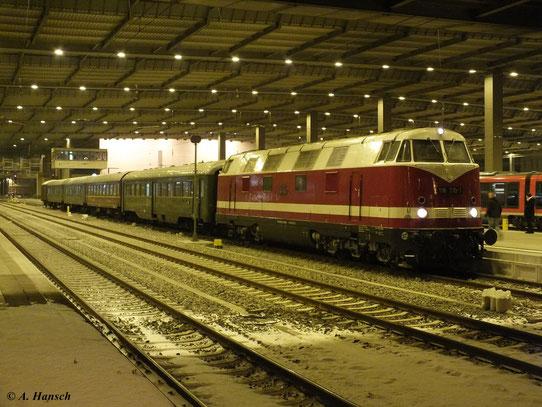 Am 8. Dezember 2012 fuhr ein Sonderzug von Chemnitz nach Erfurt. Während 118 770-7 auf der Hinfahrt nur Schubunterstützung für 35 1097-1 war, hatte sie auf der Rückfahrt Zugdienst. Dabei wurde die 35er gleich in Glauchau abgekuppelt. (Chemnitz Hbf.)