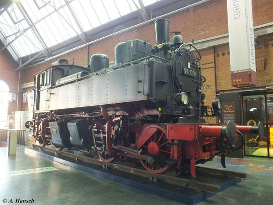 """Die Loks der BR 98.0 wurden in der Sächsischen Maschinenfabrik Chemnitz hergestellt. Wegen ihres speziellen Fahrwerks (B´B´) und der in der Lokmitte angeordneten Zylinder, erhielten die Loks auch den Spitznamen """"Kreuzspinne"""""""