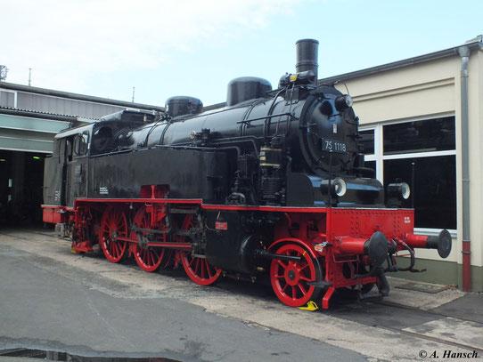 75 1118 stand am 1. September 2012 im Eingangsbereich des ehemaligen RAW Meiningen zu den XVIII. Meininger Dampfloktagen