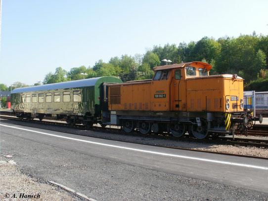 ...deshalb brachte 106 992-1 den Zug nach Aue. Ab da übernahm 01 509-8. Mit einem überflüssigen Bghw-Wagen verließ 106 992-1 Aue Bf. wieder nach Schwarzenberg