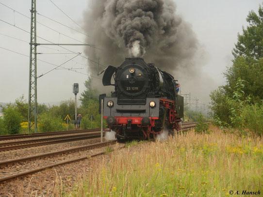 Zur Lokparade am 21. August 2011 macht 35 1019-5 ordentlich Dampf. Die Lok ist sogar mit ihren BR 23-Schildern versehen