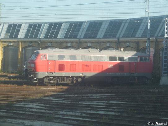 Mit etwas Glück gelang dieser Schnappschuss von 218 839-9 aus dem RE Leipzig-Chemnitz heraus am 21. Oktober 2012 bei der Ausfahrt aus dem Leipziger Hbf.
