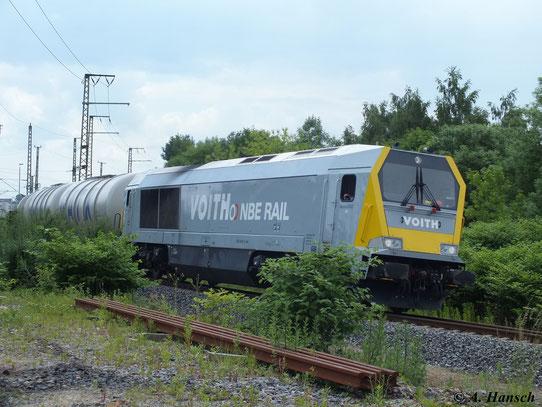 263 006-9 der NBE RAIL GmbH bringt am 12. Juni 2013 einen Kesselwagenzug nach Chemnitz Küchwald. Soeben verließ die Fuhre Chemnitz Hbf.