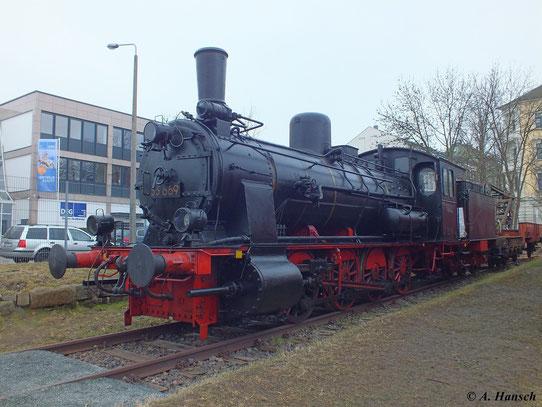 Hier steht die Lok im Depot des Dresdner Verkehrsmuseums