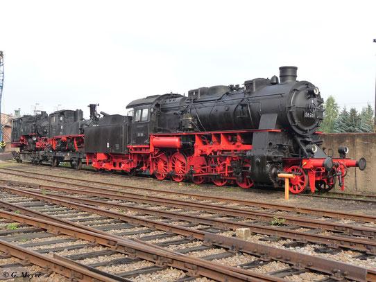 Das SEM Chemnitz ist im Besitz von 58 261. Hier ist die Lok am 22. August 2009 zum 19. Heizhausfest zu sehen