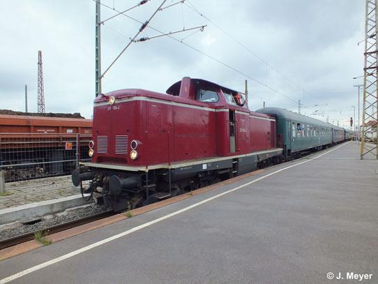 Am 14. Juni 2014 fand eine private Charterfahrt von Vienenburg nach Leipzig und zurück statt. 211 054-2 kam als Zuglok zum Einsatz
