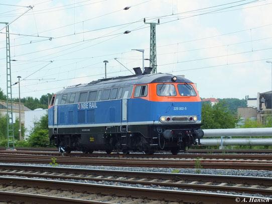 Am 12. Juni stattet 225 002-5 der NBE RAIL GmbH Chemnitz einen Besuch ab. Am Gelände des AW Chemnitz legte die Lok einen Betankungshalt ein