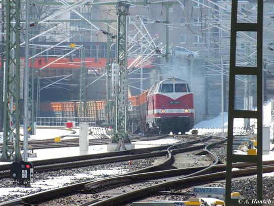 Am 23. März 2013 bespannte 118 770-7 den Leerkokszug Glauchau - Bad Schandau. Hier durchfährt der Zug gerade Chemnitz Hbf.