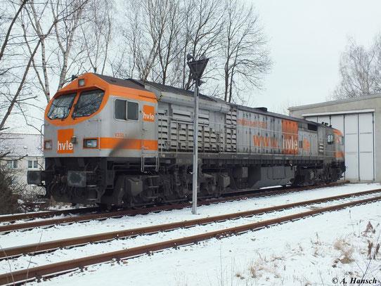 Am 20. Januar 2013 ruht sich 250 002-3 (V330.1 der Havelländischen Eisenbahn AG) vorm Lokschuppen des Güterbahnhofs Chemnitz Küchwald aus