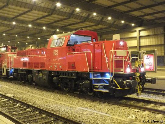 Am 13. Februar 2013 war EK 55080 mit 261 090-5 bespannt. Hier wartet der Zug in Chemnitz Hbf. auf Ausfahrt